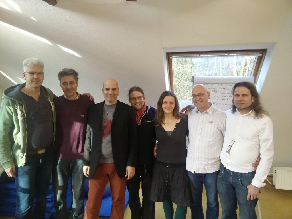 Foto von sieben der acht Gründungsmitglieder von TeleCommons